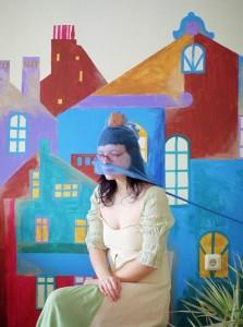 アリョーナ・ランダーロワ《網をかぶった少女》2012 (c)Alena Zhandarova