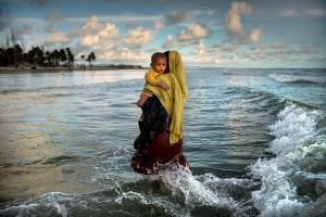 K.M. アサド(バングラデシュ、1983)《ロヒンギャ難民の大脱出》2017 (c)K.M. Asad